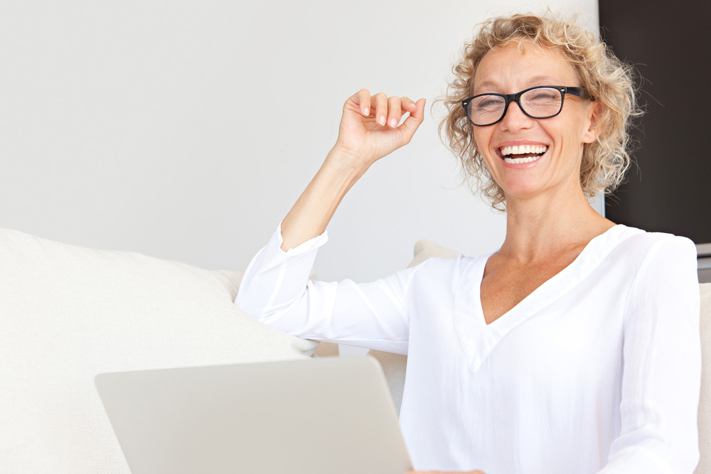 How to Safely & Effectively Treat Symptoms of Menopause with HRT